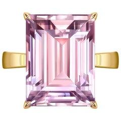 12 Carat Natural Amethyst Rose de France 14 Karat Rose Gold Cocktail Ring
