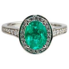 18 Karat White Gold Green Oval Emerald Diamond Engagement Ring