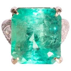 18.09 Carat Emerald and Diamond 18 Carat White Gold Ring