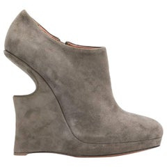2000s Alaïa Grey Suede Ankle Boots