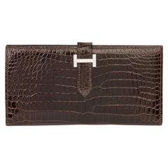 2007 Hermès Havane Shiny Porosus Crocodile Leather Diamond Bearn Wallet
