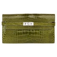 2009 Hermès Vert Perlouse Shiny Alligator Leather Kelly Long Wallet