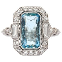 Art Deco 3.40 Carat Aquamarine and Diamond Platinum Dress Cocktail Ring, 1920s