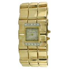 .65 Carat Diamond Ladies Vintage Dress Watch 14 Karat Yellow Gold, circa 1950