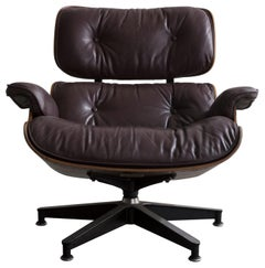 670 Lounge Chair & Ottoman in Rosewood & Leather by Charles and Ray Eames, 1958