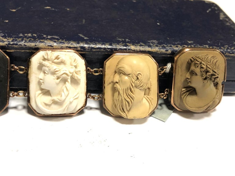 Mid-19th Century Lava Cameo Bracelet, circa 1870 In Good Condition For Sale In Firenze, IT
