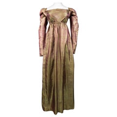 A Regency French Changing taffetas Silk day Dress - Napoleonic Era Circa 1810