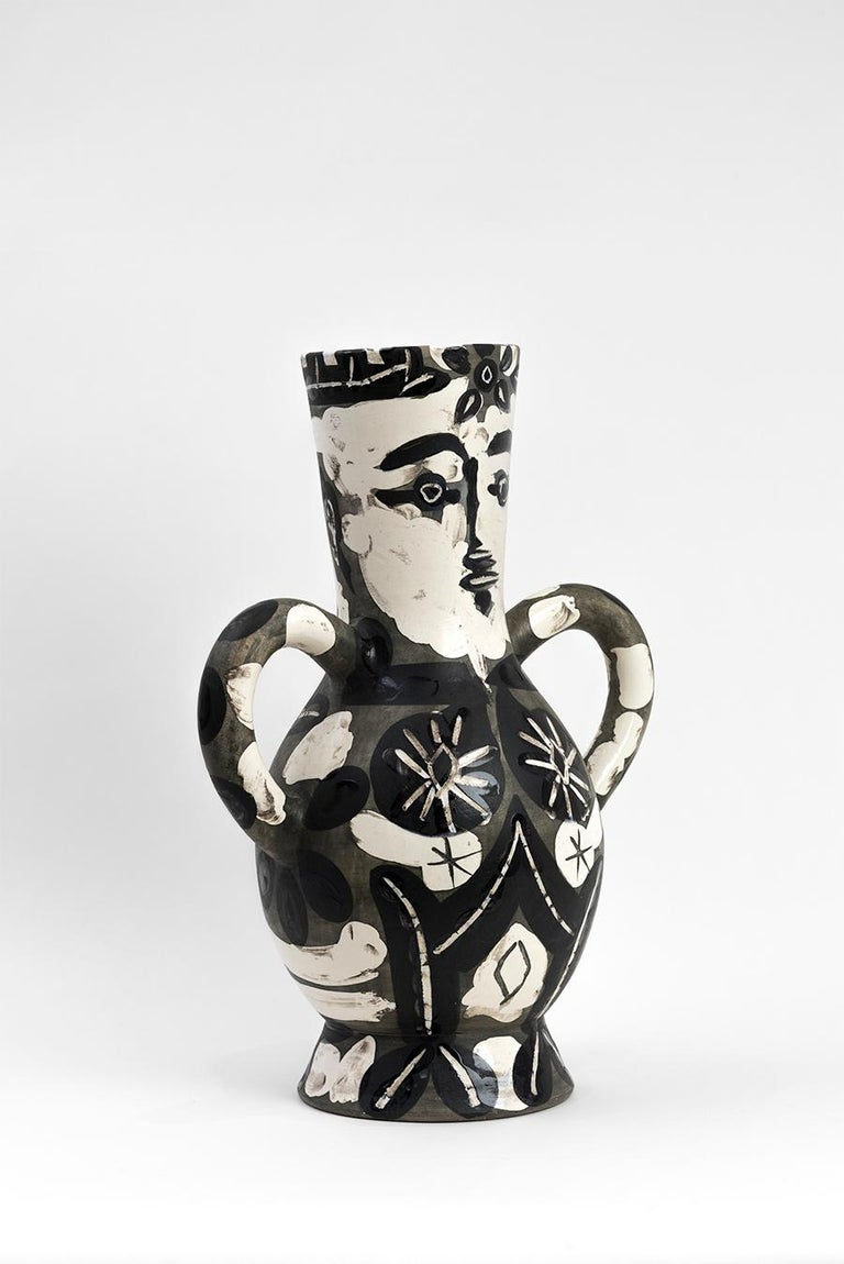 Vase with Two High Handles (Vase deux anses hautes)   For Sale 4