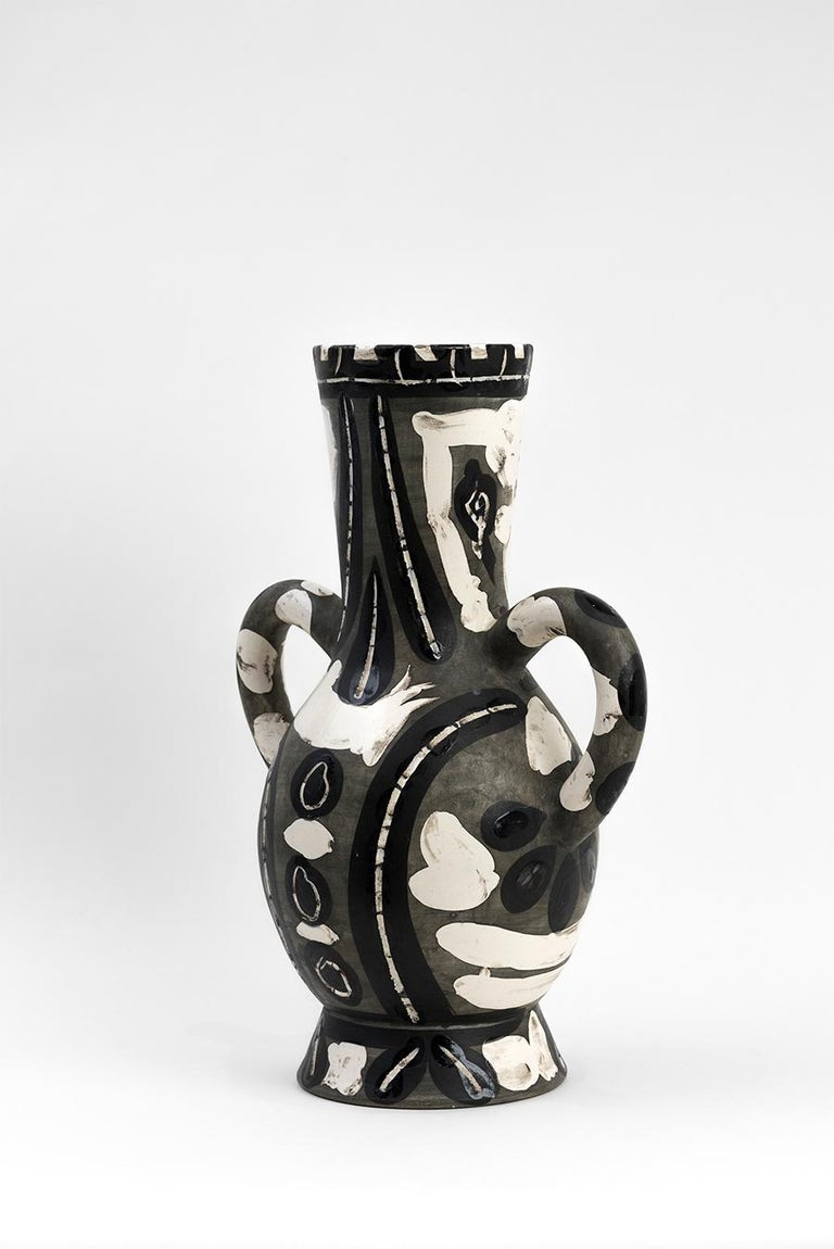 Vase with Two High Handles (Vase deux anses hautes)   For Sale 3
