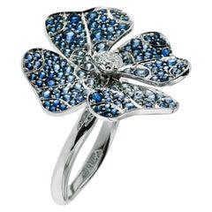 AENEA 18 Karat White Gold Blue Sapphires E-F/VVS White Diamonds Flower Ring