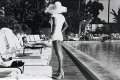 Woman by the Pool - Beverly Hills Hotel, California U.S.A – Anthony Friedkin