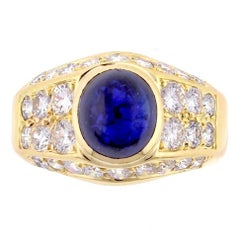 Van Cleef & Arpels Cabochon Sapphire Diamond Gold Ring