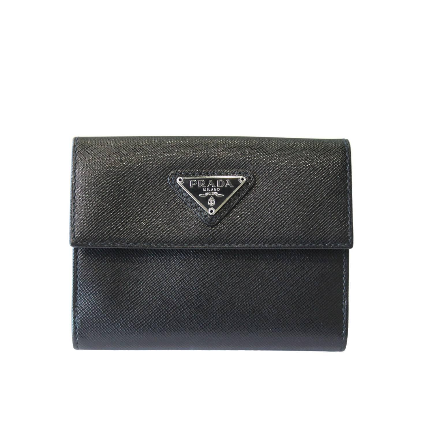 5935621507f8 ... spain prada black saffiano leather bi fold wallet in box at 1stdibs  24e5e c5900
