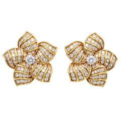 Van Cleef & Arpels Diamond Earrings