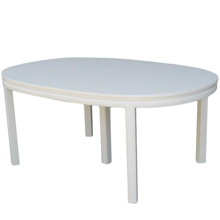 Xxx Mid Century Elegant White Lacquer Dining Table Sale
