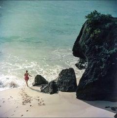 Slim Aarons 'Bermuda Beach' (Slim Aarons Estate Edition)