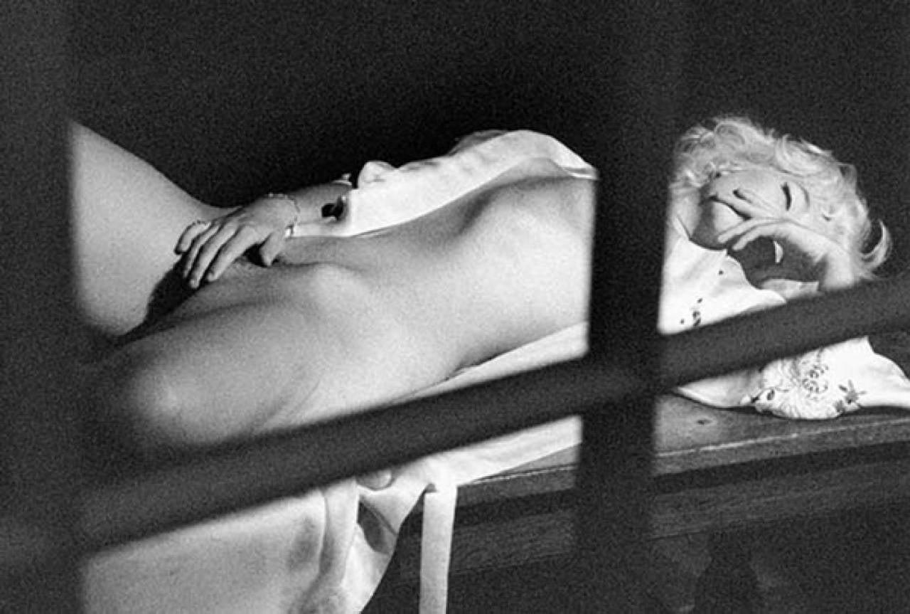 Секс в замочную скважину 20 фотография