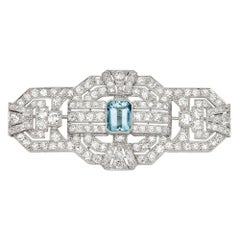 Art Deco 18 Karat White Gold Aquamarine and Diamond Vintage Brooch