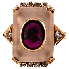 Art Deco 2.28 Carat White Diamond Ruby Rock Crystal Yellow Gold Cocktail Ring