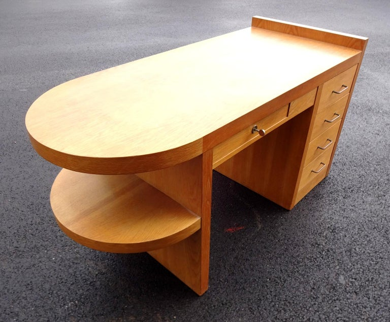 Art Deco Oak Desk In Good Condition For Sale In Brooklyn, NY