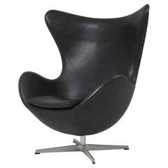 Black Leather Egg Chair by Arne Jacobsen for Fritz Hansen