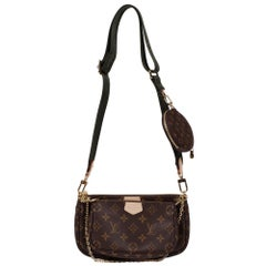 Brand New Louis Vuitton Multi-Pouch in brown monogram canvas