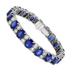 Carat Gem Lab Certificated 27.33 Carat Sapphires, 9 Carat Diamonds, Bracelet