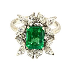 Certified Natural 1.9 Emerald 0.85 White Diamond Gold Engagement Cocktail Ring