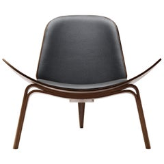 CH07 Shell Chair in Walnut Oil with Leather Seat by Hans J. Wegner