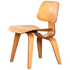 Charles and Ray Eames Early DCW Maple Dining Chair for Herman Miller