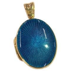 Deakin & Francis 18 Karat Yellow Gold Oval Turquoise Enamel Locket
