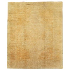 Early 20th Century Handmade Turkish Oushak Room Size Carpet in Gold and Beige