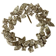 Elegant Vintage 18 Karat White Gold Circular Diamond Brooch by Meister Zurich