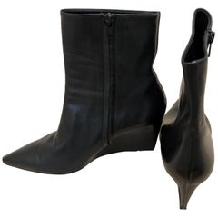 Gorgeous Balenciaga Black (one piece of) Leather Wedge Booties 41