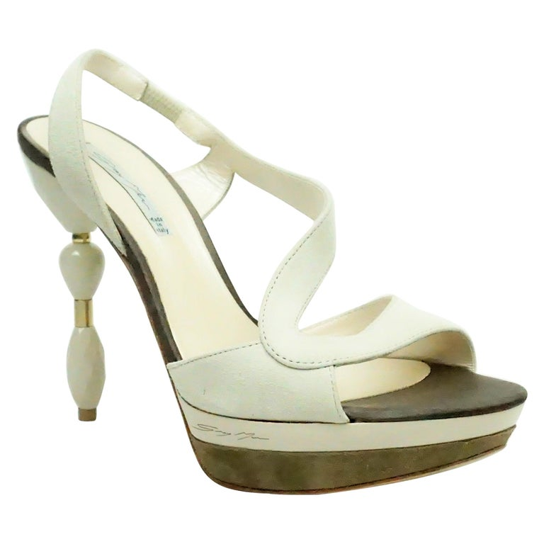 Grey Mer Bone Suede Sandal w/ Acrylic Heel - 37 For Sale