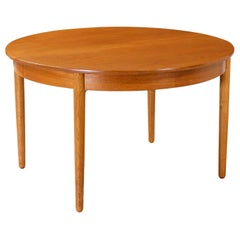 Hans J. Wegner Large Expanding Round Dining Table for Andreas Tuck