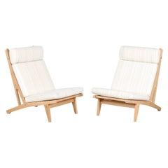 Hans J. Wegner Pair of High Lounge Chairs GE 375 of Oak and Wool by GETAMA 1970s