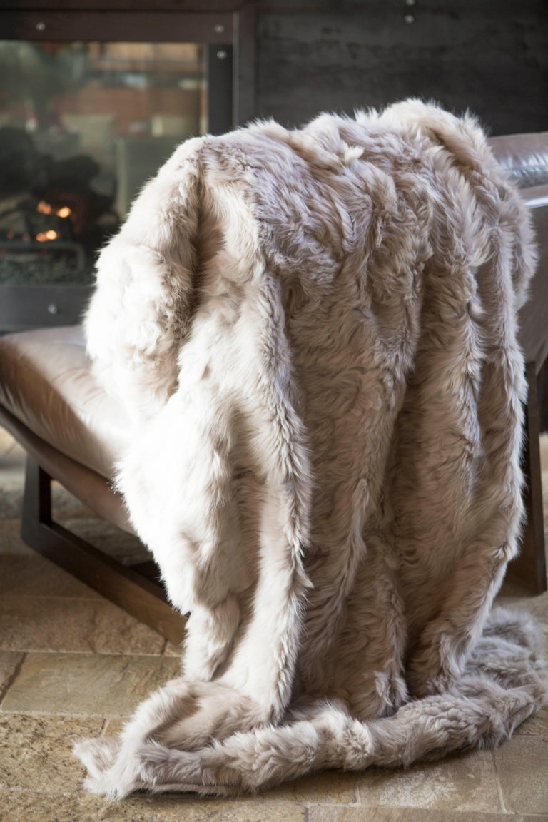Hand-Crafted JG Switzer Toscana Sheep Fur White Throw Backed with Lambswool/Cashmere For Sale