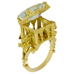 La prière et le poison Cathedral Ring in 18 Karat Yellow Gold with Aquamarine