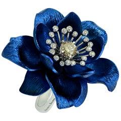 Happy Flower Diamond  BlueTitanium 18 Karat Gold Ring by Margherita Burgener