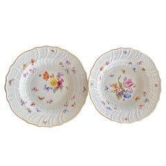 "Meissen Porcelain Pair of ""Neu-Ozier"" Molded Bowls, 18th Century"