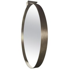 Moi Round Mirror in Textured Brass by Soraya Osorio