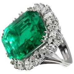 Natural 25 Carat Colombian Emerald Diamond White Gold Ring