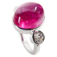 Natural Pink Tourmaline 10.16 Carat and Old Mine Cut Diamonds Three-Stone Ring