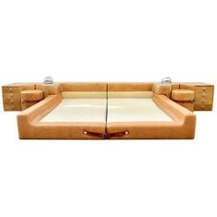 New Production Leather King Bed in the Style of Guido Faleschini for Pace