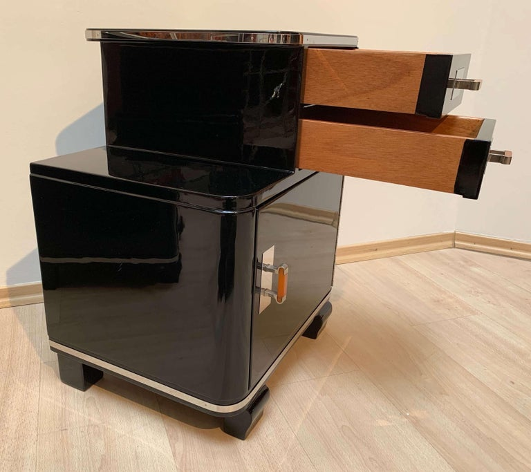 Pair of Art Deco Nightstands, Black Piano Lacquer and Nickel, France, circa 1930 For Sale 5