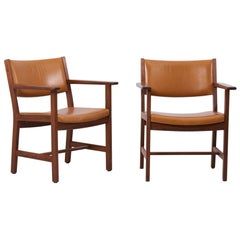 Pair of GE Armchairs in Leather by Hans Wegner for by GETAMA, Denmark, 1960s