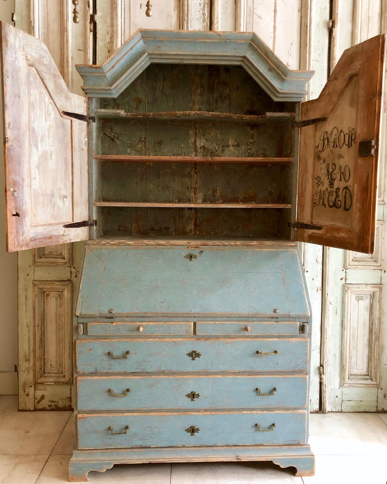 Period Gustavian Swedish Secretaire Cabinet In Good Condition For Sale In Charleston, SC
