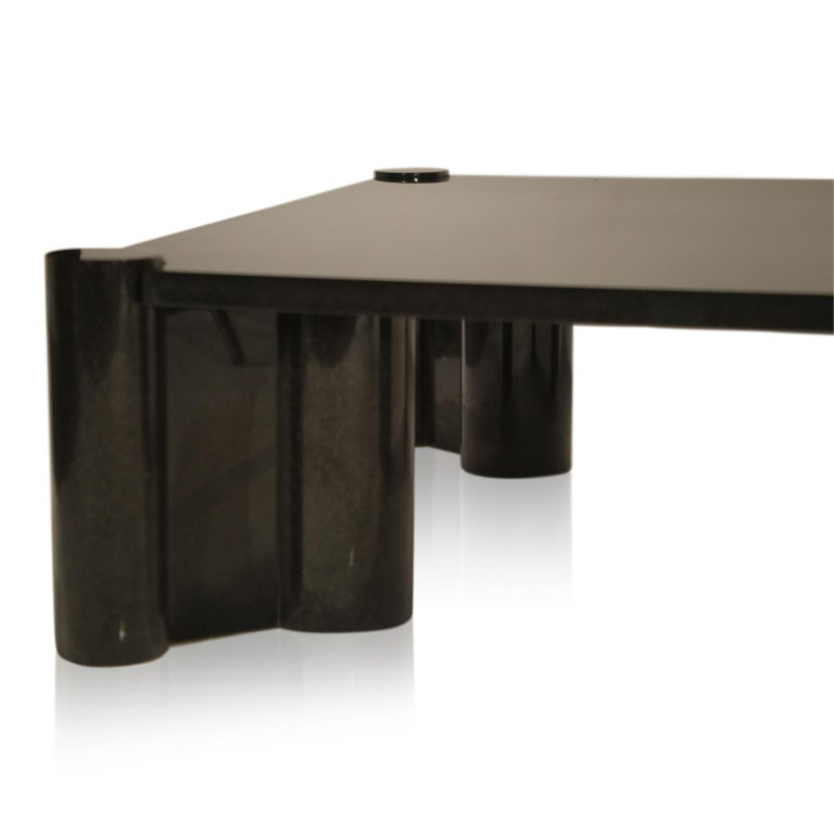 Rare Granite 'Jumbo' Cocktail Table by Gae Aulenti for Knoll International, 1980 For Sale 3