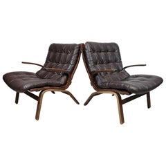 Scandinavian Modern pair of Leather Easy Chairs, 1970s